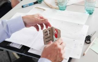 Prototypen-Entwicklung bei einem Design Thinking Workshop